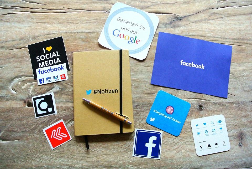 socialmedia vlepki gadżety
