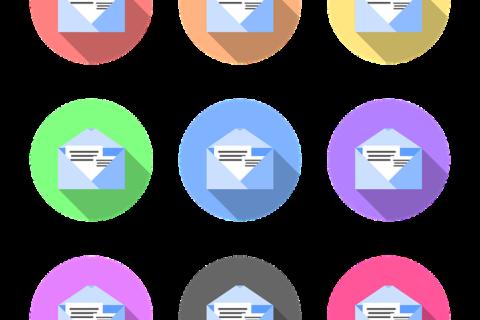 Naklejki na karton i koperty – dodatkowe miejsce na prezentację Twojego logo